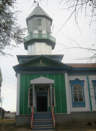 The mosque in the village of Lyatoshinka - Directory «HalalGuide»