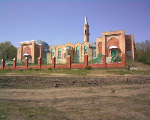 The mosque in Pichle - Directory «HalalGuide»